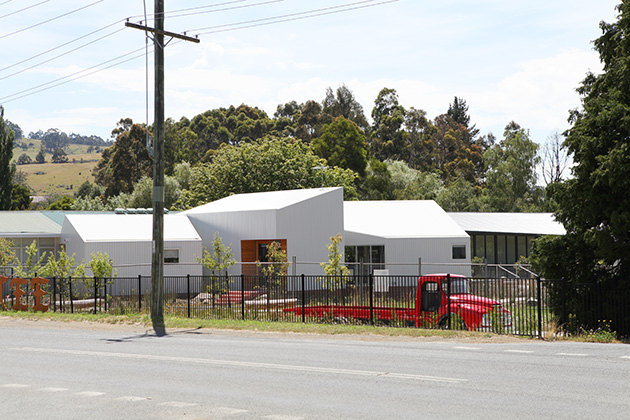 Liminal Architecture, Geeveston CFC, street elevation